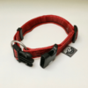 dogisticated Halsband in rot mit offener Schnalle